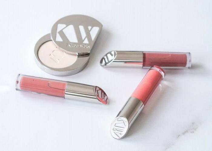 Nyheter från Kjaer Weis ‒ Pressed Powder and Lip Gloss x 6